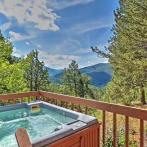 'Horseshoe Lodge' Divide Cabin with Hot Tub! Divide